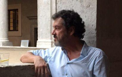 """Javier Ibarrola recrea en """"Pound"""" la vida de un escritor alemán exiliado tras levantarse el Muro de Berlín"""