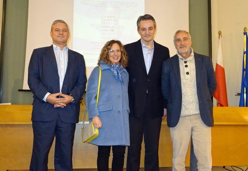 """Gorka Angulo presentó su libro """"La persecución de ETA a la derecha vasca"""""""